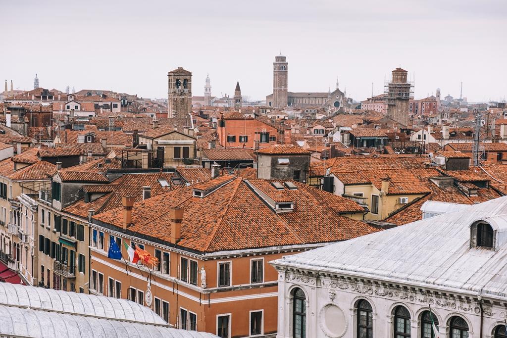 Panorama Wenecji z dachu T Fondaco dei Tedeschi